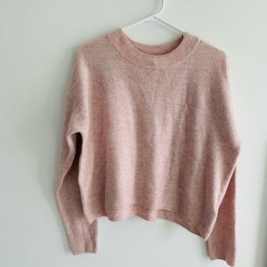 Used H&M sweater. Size M